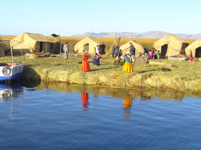 http://www.depuno.com/imagenes/lago-titicaca-puno-peru.jpg